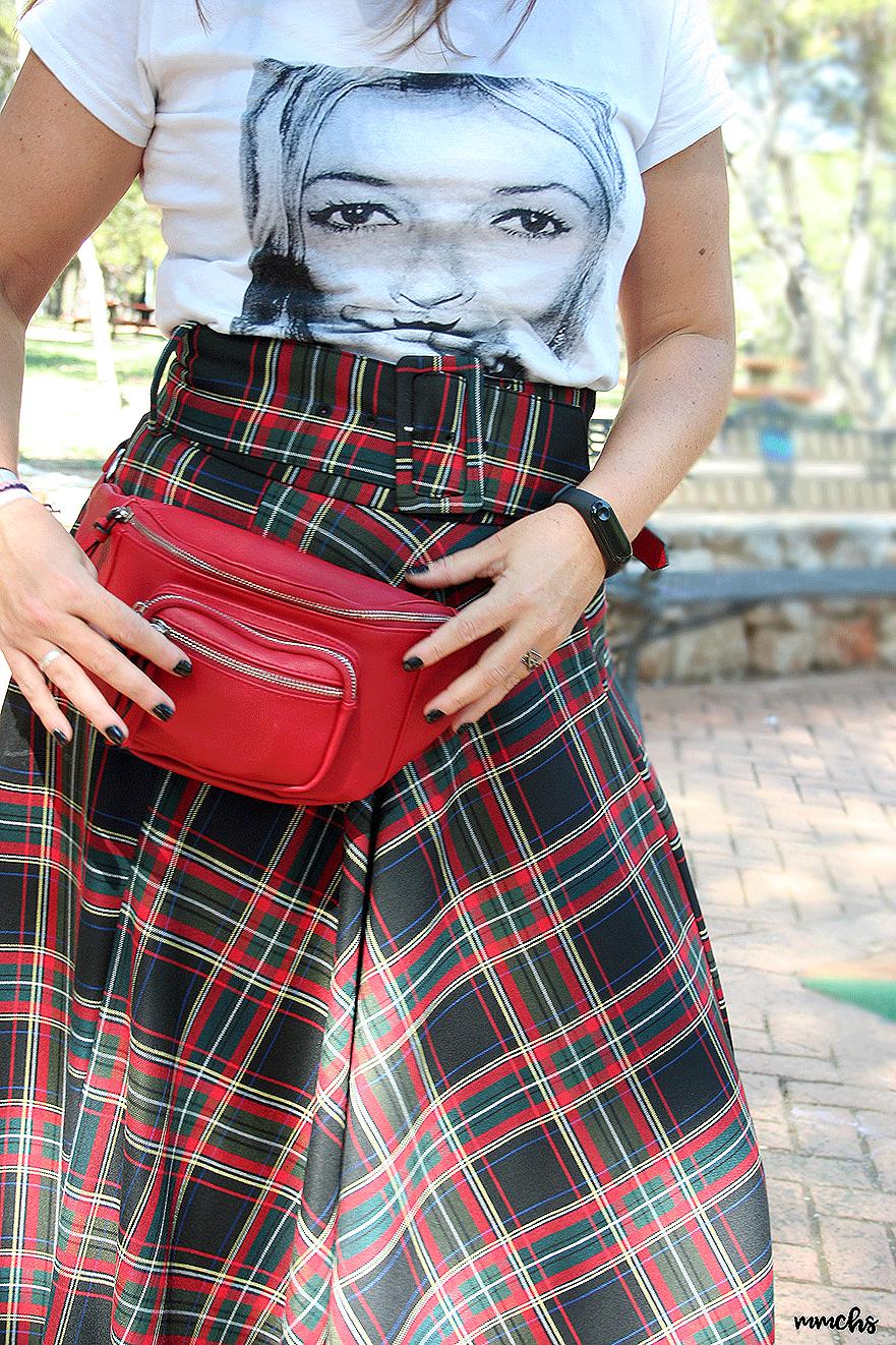 falda de talle alto de cuadros de Zara