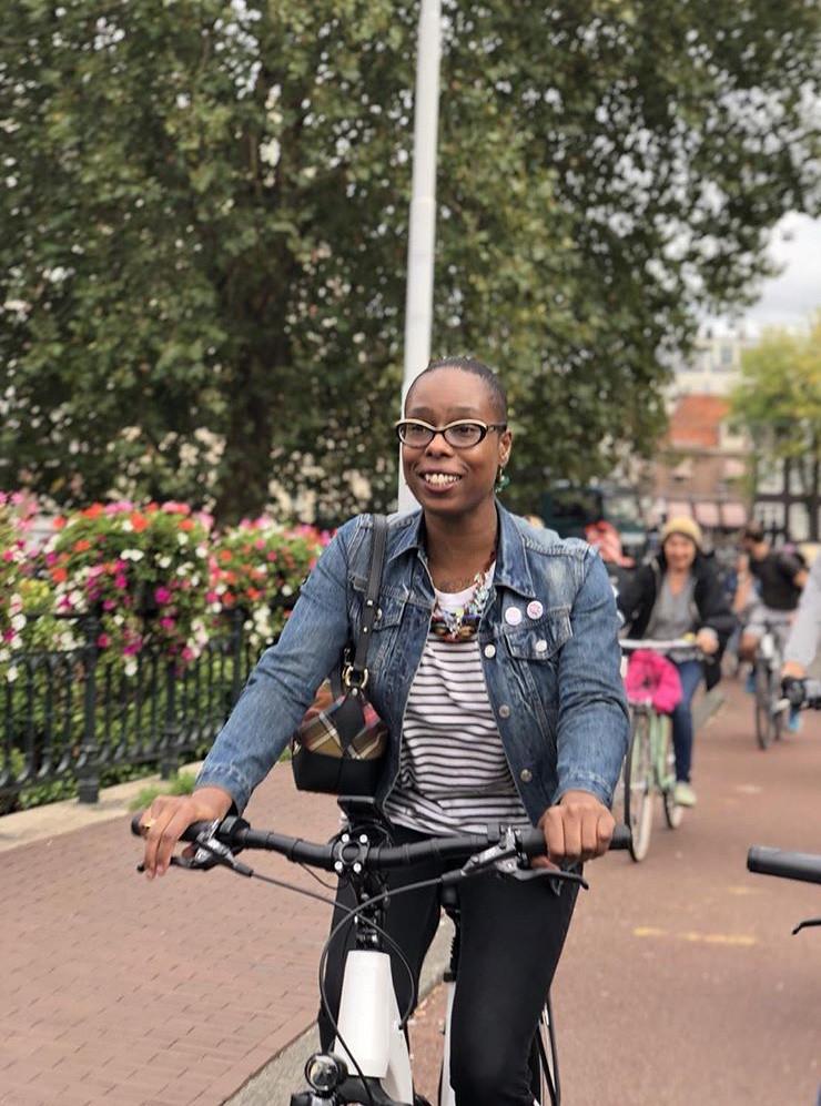 ladyvelo-velocitygirl-shimano-ebike-cycling-amsterdam