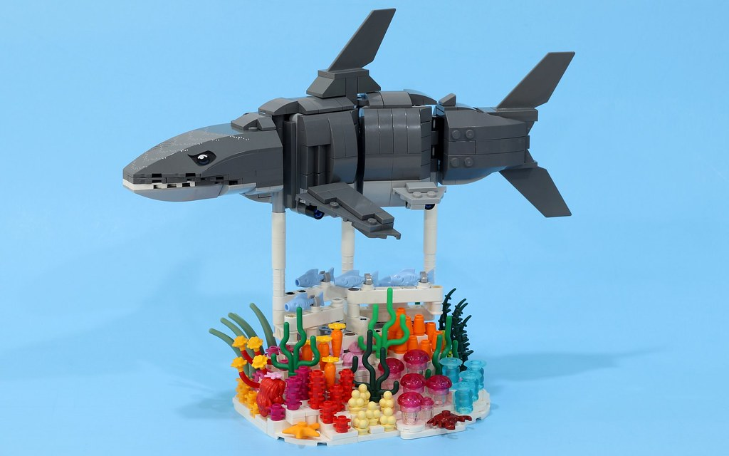 """Reverse engineering the LEGO Forma shark with a brick-built """"skin"""""""