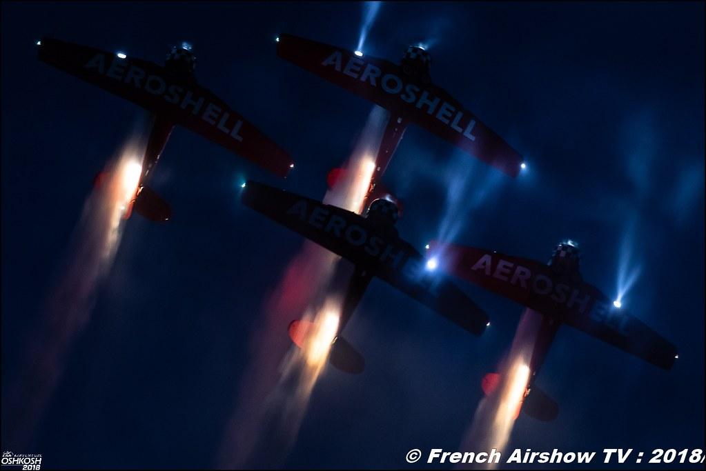 AeroShell Aerobatic Team Night Show EAA AirVenture Oshkosh 2018 Wisconsin Canon Sigma France contemporary lens Meeting Aerien 2018
