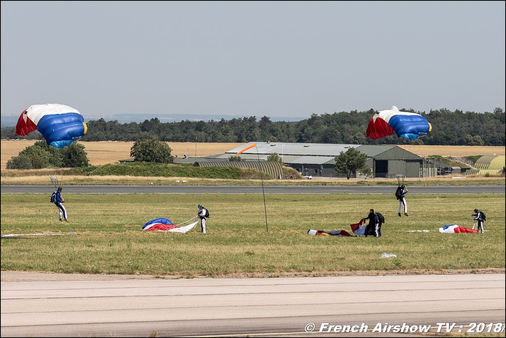 Ambassadeurs parachutistes de l'armee de l'air Meeting de l Air BA-133 Nancy Ochey 2018 FOSA Armee de l Air Canon Sigma France contemporary lens Meeting Aerien 2018