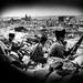 Soldados en una trinchera en la zona de los Alijares con Toledo al fondo en 1937 © Roger Viollet