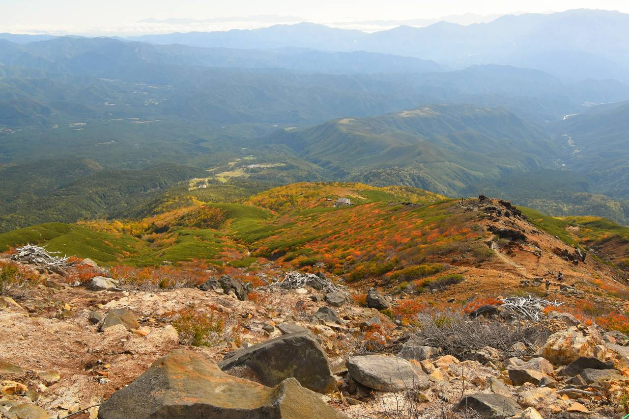 御嶽山の紅葉風景