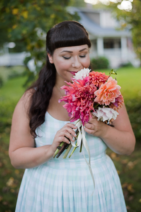 pastel dahlia bouquet