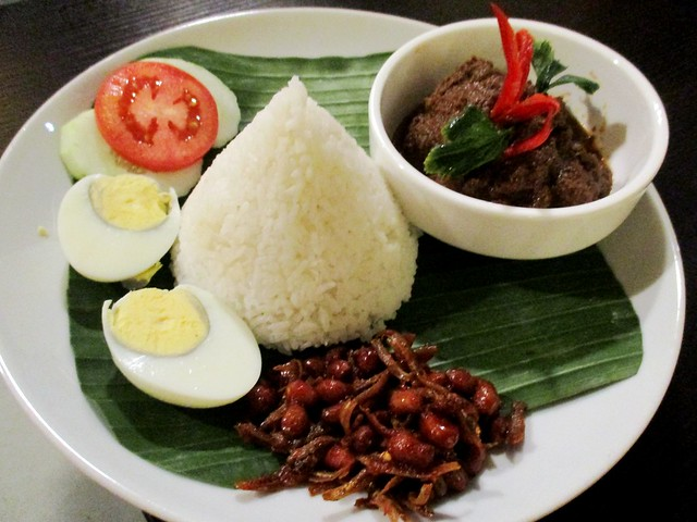 Cafe Ind beef rendang rice set