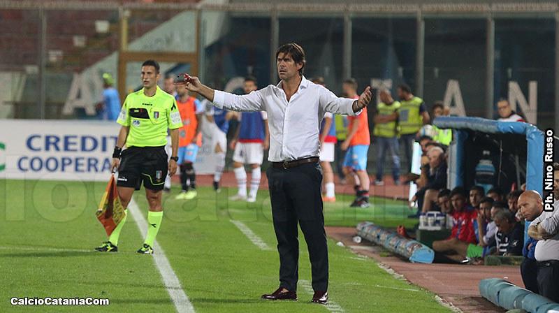 Mister Sottil in uno scatto di sabato scorso, durante il match con la Vibonese