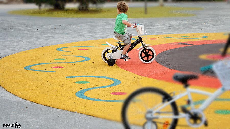 pintar una bici de niño en color negro
