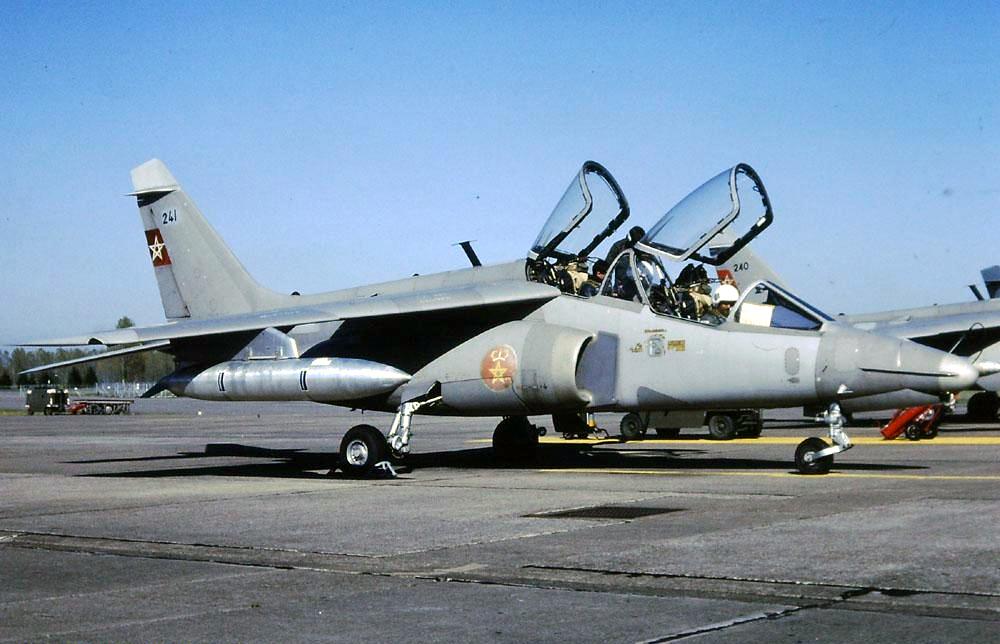 FRA: Photos avions d'entrainement et anti insurrection - Page 9 44874994581_8f51d1ba92_o
