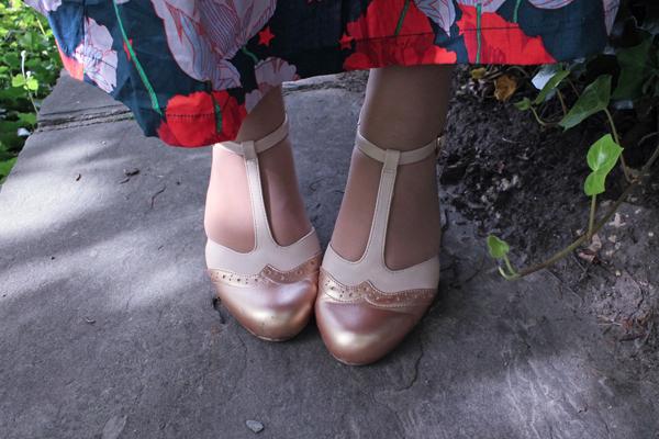 rose gold t-strap chelsea crew heels