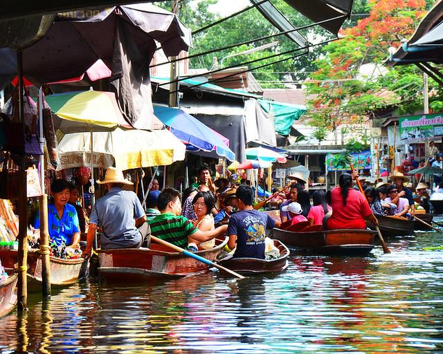 Excursión en un mercado flotante de Tailandia