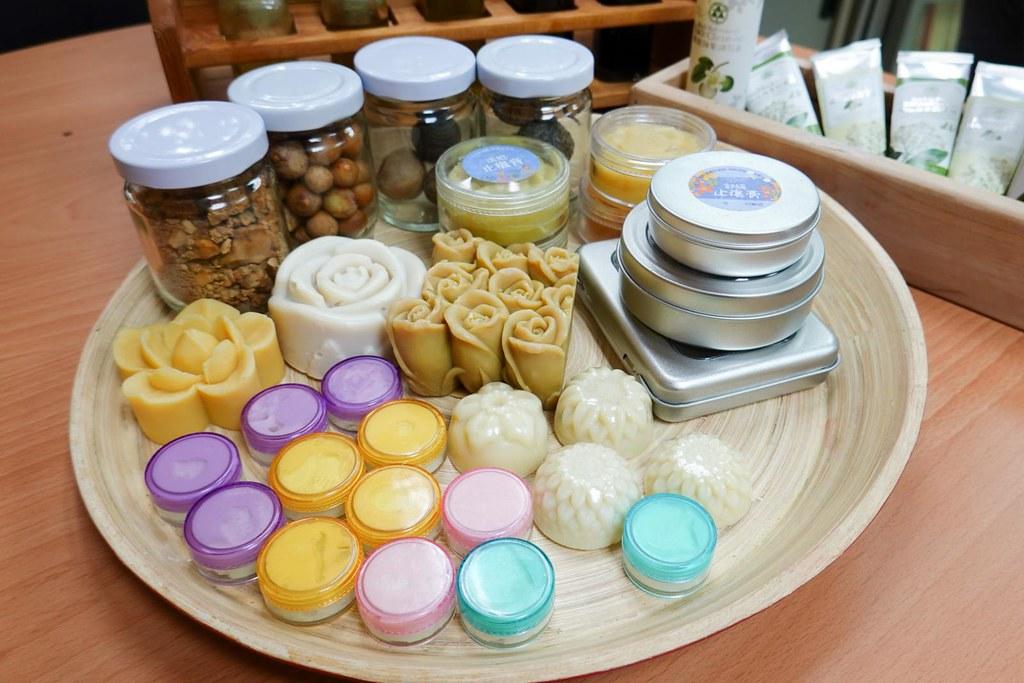 瓊崖海棠種仁油親膚性佳,又有抗氧化物質,不只有防曬效果,也適合用來製作各式美妝保養產品。