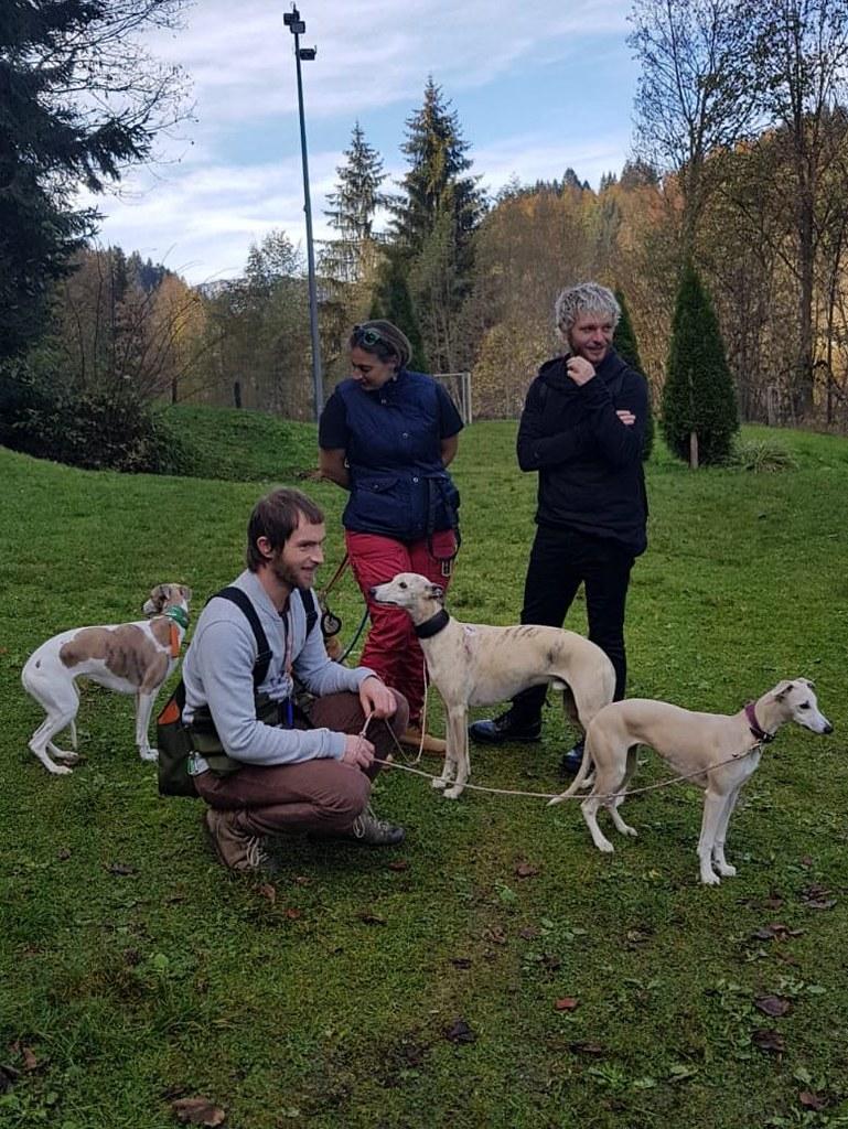 Ziva mit Isa, Haku und Kiki mit Herrli Norbert und Freund