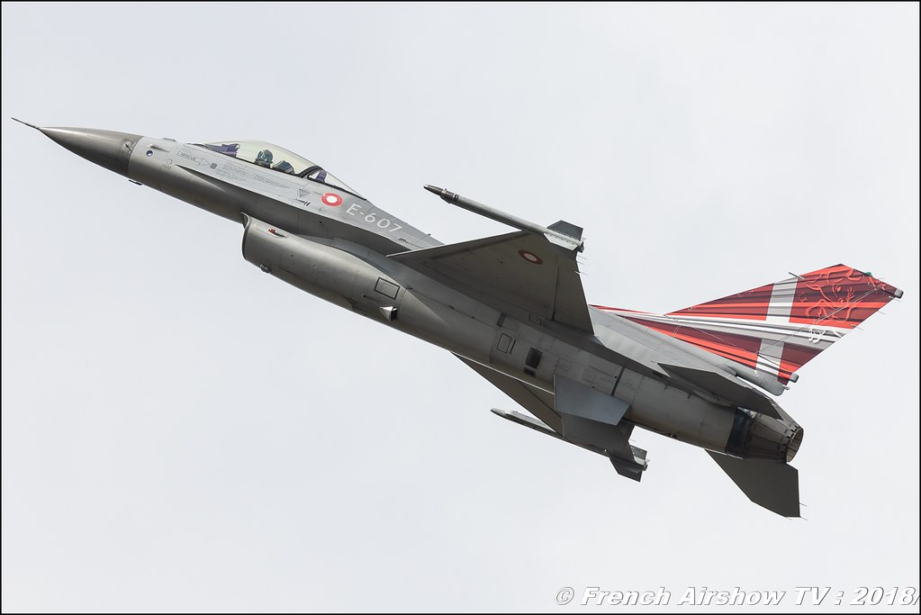 Royal Danish Air Force F-16AM solo display BAFDAYS Kleine-Brogel 2018 BELGIAN AIR FORCE DAYS 2018 BA Kleine Brogel Canon Sigma France contemporary lens Meeting Aerien 2018