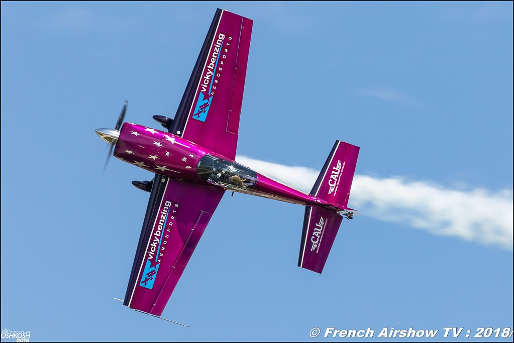 Extra 330S Vicky Benzing EAA AirVenture Oshkosh 2018 Wisconsin Canon Sigma France contemporary lens Meeting Aerien 2018