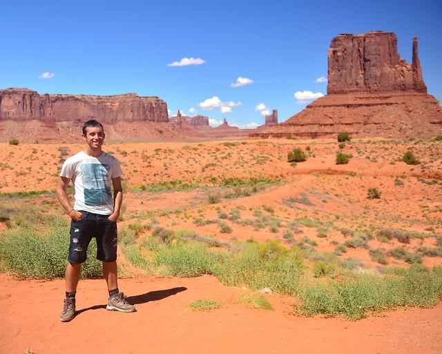 Diario de un Mentiroso en Monument Valley en la Costa Oeste de Estados Unidos