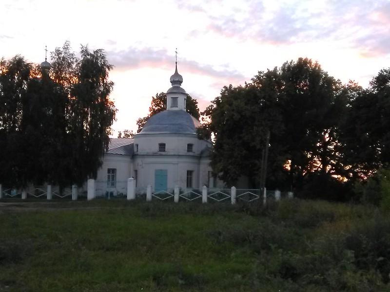 Церковь в селе Малинки
