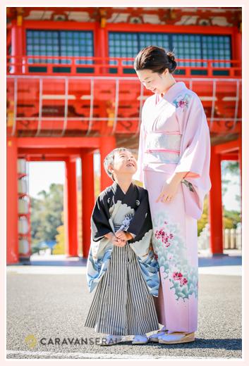 七五三 5歳の男の子とママ