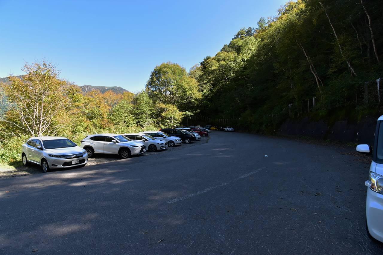 焼岳登山口駐車場(新中の湯ルート)