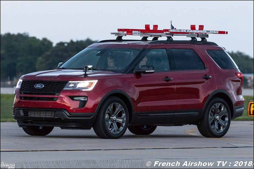 Ford Explorer Cricri Team F-PLIO Colomban MC-15 osh2018 EAA AirVenture Oshkosh 2018 Wisconsin Canon Sigma France contemporary lens Meeting Aerien 2018