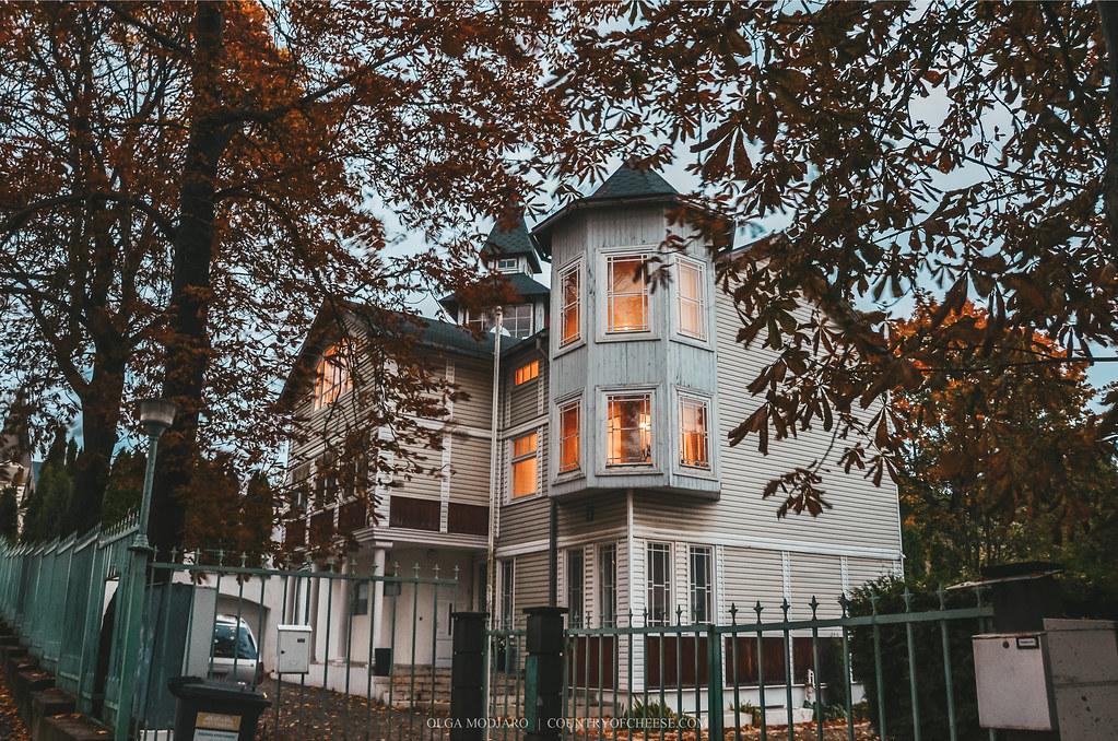 Осенняя Юрмала. Красивые дома и особняки! | https://countryofcheese.com/autumn-jurmala/
