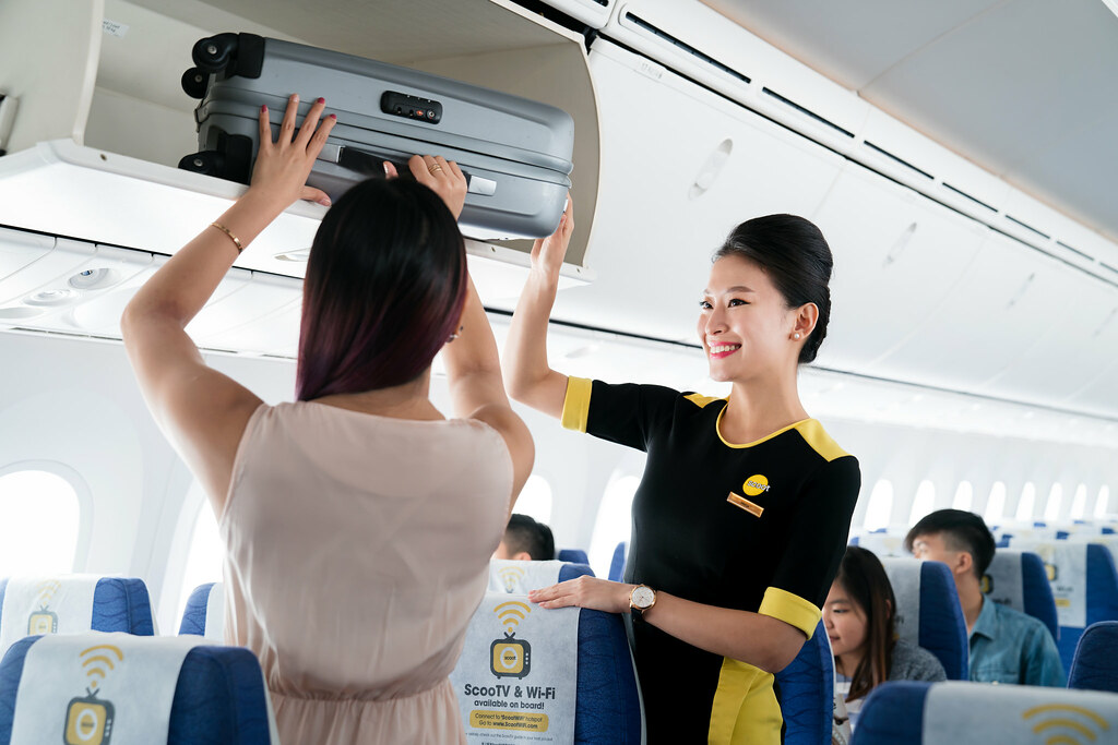 """[Lobang Alert] Tips on saving money for your flight so you can splurge on your holiday - use Scoot promo code """"SCOOT10"""" to enjoy up to 10% off fares - Alvinology"""