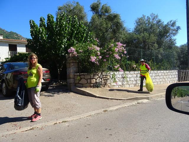 Nettoyage dans le hameau de Taddu Russu