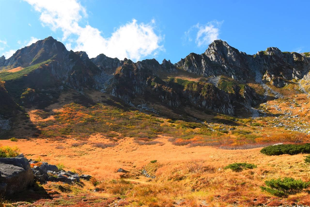 千畳敷カール~宝剣岳の紅葉と岩壁