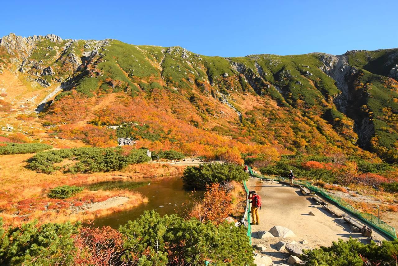 紅葉の木曽駒ヶ岳登山・剣ヶ池