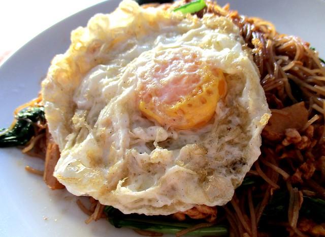 Unlce Lau Corner Maly/Muslim stall fried egg