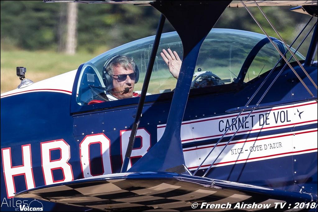 Patrouille Carnet de Vol , Pitts F-HBOB CAP222 F-WWMZ , Ailes et Volcans - Aérodrome d'Issoire - Le Broc , Cervolix 2018 & La Montagne , Canon EOS , Sigma France , contemporary lens , Meeting Aerien 2018