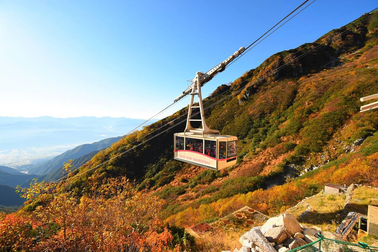 紅葉と木曽駒ヶ岳ロープウェイ
