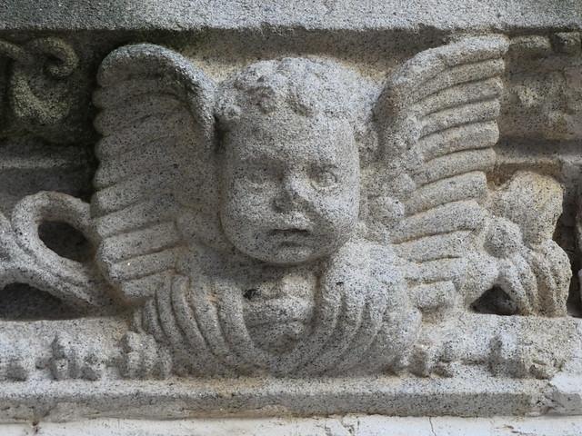 Angelote de piedra en la catedral de Coria (Cáceres)