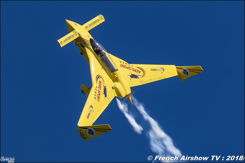Kyle Fowler with Go EZ Aerobatics Rutan Long-EZ EAA AirVenture Oshkosh 2018 Wisconsin Canon Sigma France contemporary lens Meeting Aerien 2018
