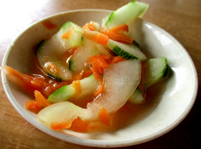 Dapur Azra nasi Arab, pickles