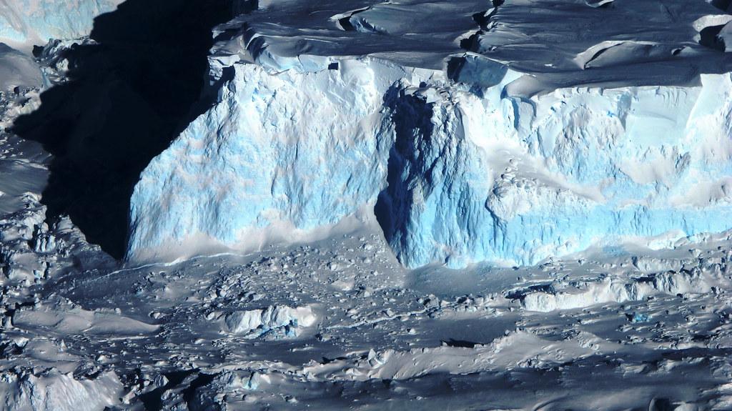 冰山。攝影:NASA/James Yungel;圖片來源:Stuart Rankin(CC BY-NC 2.0)