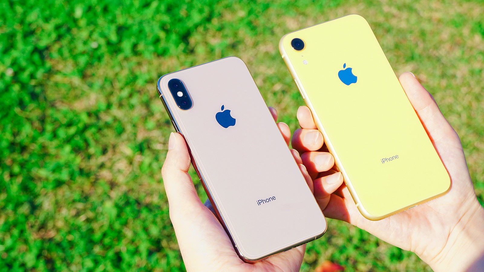 iPhone XR、iPhone XS