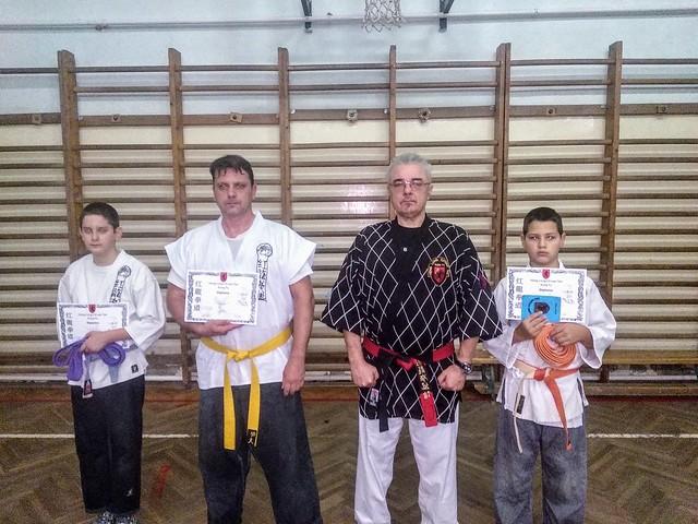 Vizsgázók: (balról- jobbra) Csapó Dávid- 7. Tjie- Lila öv, Csapó Ferenc- 5. Tjie- Narancs öv, Csuz Ábel- 5. Tjie- Narancs öv