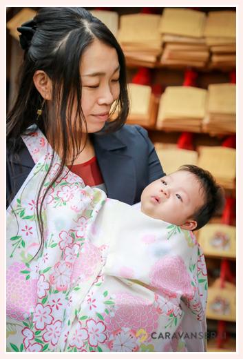 お宮参り 赤ちゃんと絵馬