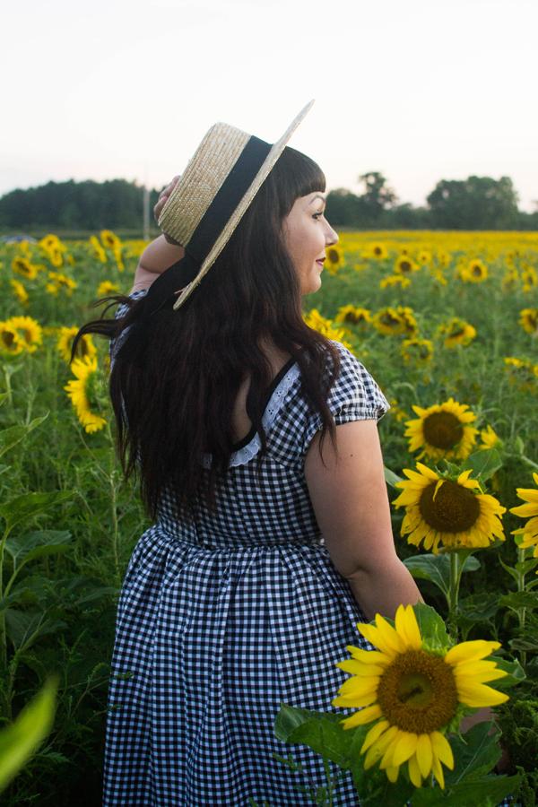 sunflower field blogger