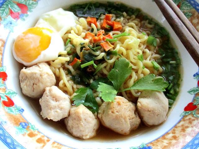 Koreno spicy beef noodles 2