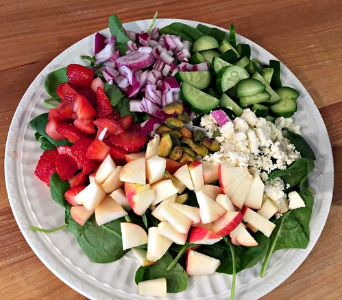 harvest spinach salad