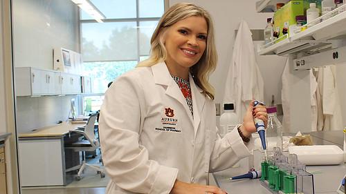 Miranda Reed in her lab in Auburn's Harrison School of Pharmacy