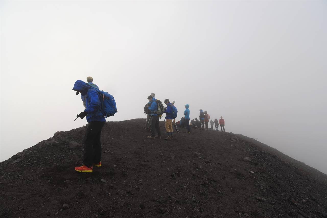 浅間山 ガスの山頂