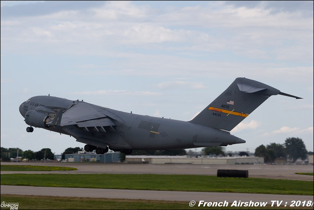 C-17 Globemaster III Display USAF EAA AirVenture Oshkosh 2018 Wisconsin Canon Sigma France contemporary lens Meeting Aerien 2018