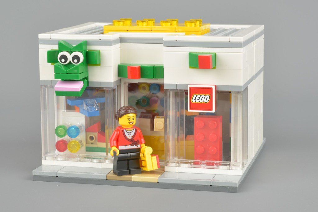 LEGO Promotional 40145 LEGO Brand Retail Store review