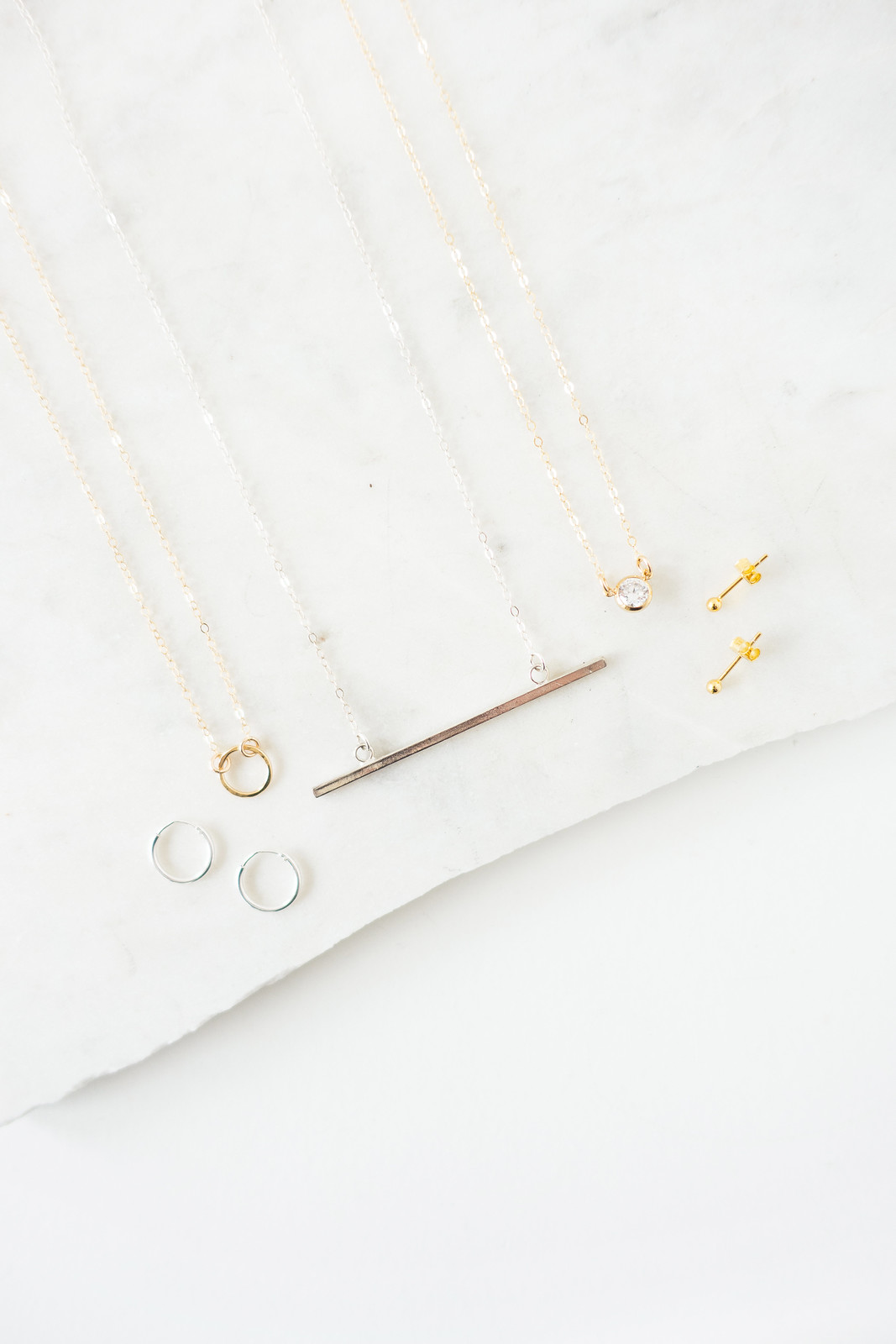 Minimal Basic Jewellery Essentials