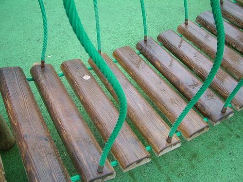 how to build a swinging bridge