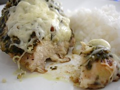 Baked pesto chicken / Frango assado ao pesto | by Patricia Scarpin