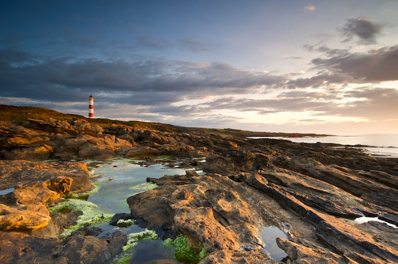 Tarbat Ness Lighthouse. Photo by Leathanach via Flickr | Creative Commons