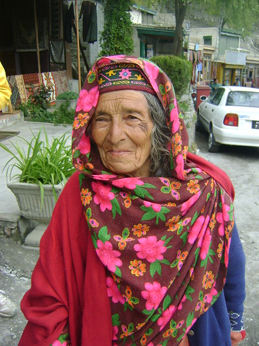 Faces of Pakistan Karimabad, pretty in pink | by Shaun D Metcalfe